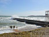 В Феодосии бушует море. Последние дни сентября…
