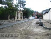 В Феодосии ремонтируют переулок Айвазовского (видео)