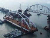 Автодорожная арка Крымского моста доставлена к фарватерным опорам и готова к установке на них