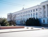 В Крыму двух чиновников задержали за хищение миллионов при ремонте здания Совета министров