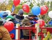 В Феодосии торжественно открыли детскую игровую площадку