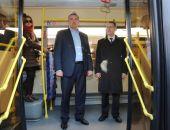 Аксёнов пообещал ездить на работу в общественном транспорте и попросил министров сделать так же