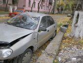 Сегодня в Феодосии в районе Морсада произошло ДТП – автомобиль снес бетонный столб:фоторепортаж