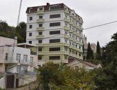В Крыму суд постановил снести незаконную восьмиэтажку в Ялте