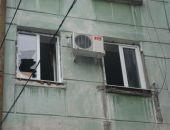 В центре столицы Крыма с фасада дома сняли неадекватного голого мужчину