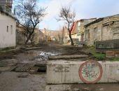 В одном из феодосийских переулков делают ремонт дороги