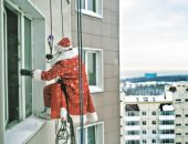 Крымчанам советуют не пускать в дома незнакомых Дедов Морозов и Снегурочек