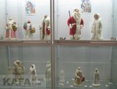 Феодосийский музей древностей представил коллекцию Дедов Морозов и Снегурочек (видео):фоторепортаж