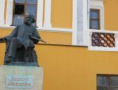 На фасаде отреставрированной феодосийской галереи Айвазовского появились трещины