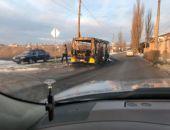 В пригороде столицы Крыма сегодня дотла сгорел автобус (фото)