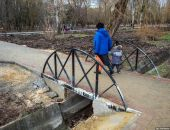 Илья Варламов в своём блоге высмеял нелепую реконструкцию главного парка столицы Крыма:фоторепортаж
