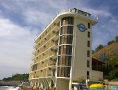 В Крыму передумали сносить отель на пляже в Алуште, признанный самостроем