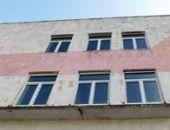 В Керчи бесплатно заменили более 2 тыс. старых окон на новые пластиковые – для шумозащиты