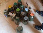 В Феодосии полицейские изъяли 13 трёхлитровых банок марихуаны (фото)