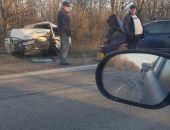 В Крыму сегодня утром на скользкой дороге в одном ДТП разбились четыре автомобиля (фото) (видео)