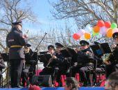Духовой оркестр дал в Феодосии концерт в честь 8 марта (видео)