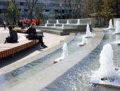 В столице Крыма включили фонтаны