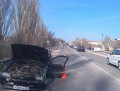 В Крыму на трассе Феодосия – Симферополь лоб-в-лоб столкнулись два легковых авто (фото) (видео)