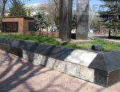 В Феодосии мемориал «Вечный огонь» разрушается не вандалами, а от времени и невнимания