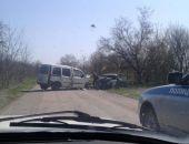 В Крыму на просёлочной дороге в ДТП с участием двух легковых авто пострадали 7 человек (фото)