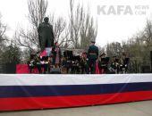 В Феодосии прошел митинг и выставка военной техники (видео)