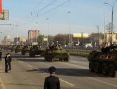 Навстречу параду 9 мая: в  Москву завезли танки и ракетные установки