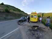 В Крыму на трассе Судак – Грушевка столкнулись два легковых авто (фото)