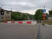 В Севастополе закрыли для движения улицу из-за размытого дождями дорожного покрытия (фото)