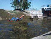 Северо-Крымский канал чистят от водорослей (фото)