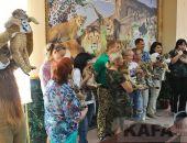 В Парке львов «Тайган» гостям давали подержать котят (видео):фоторепортаж
