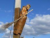 Школьника под Ленинградом убило статуей Бабы Яги
