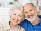 Медики рассказали, почему старики иногда здоровее и активнее молодых