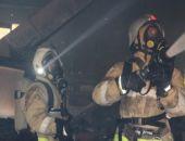 В Приморском горела пятиэтажка, на пожаре бойцы МЧС спасли мужчину