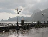 В Крыму снова ожидаются очень сильные ливни, грозы, град и шквал