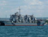 """В Севастополе отремонтировали старейшее в мире судно """"Коммуна"""""""