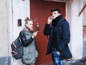 Россиянам запретят курить у подъездов жилых домов