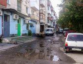 Жители центра Феодосии тонут в нечистотах