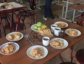 В крымских детсадах и школах продолжают выявлять фальсификат продуктов питания (фото):фоторепортаж