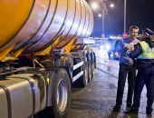 По Крымскому мосту разрешили перевозить бензин