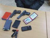 В Крыму задержали человека с муляжами пистолетов, выдававшего себя за сотрудника ФСБ