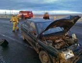 В Приморском случилось ДТП на трассе «Таврида»: ВАЗ въехал в ограждение, пассажир травмирован (фото)