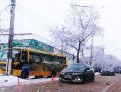 Сегодня в Симферополе рейсовый автобус въехал в столб, никто не пострадал