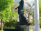 В Феодосии заработал фонтан Доброму Гению