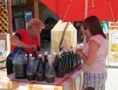 Продажа алкоголя на улицах Феодосии законна - по мнению городских властей