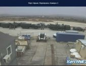 На Керченской переправе в очереди стоит военная техника