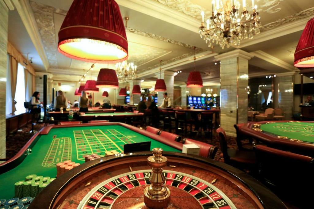 Крыму казино играть в казино три туза бесплатно
