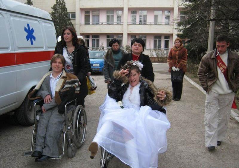 В Крыму разгорелся скандал: у семьи инвалидов забирают ...