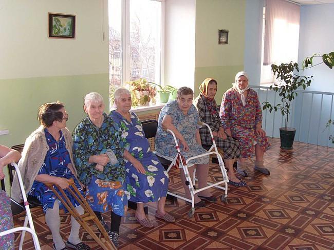 Дом престарелых феодосии беговая дорожка для дома для пожилых с