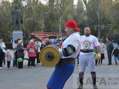 Феодосийские тяжелоатлеты продемонстрировали силу богатырскую