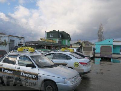 Феодосийский автовокзал в последний день осени